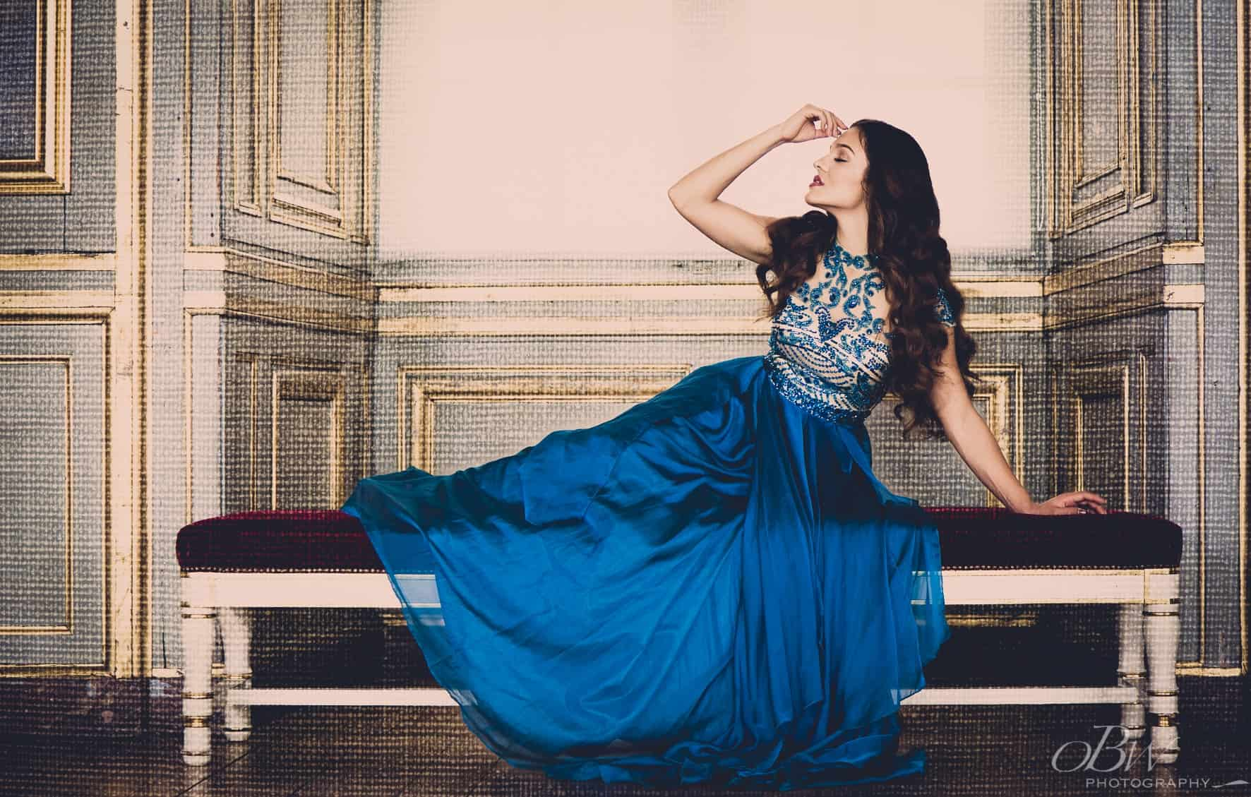 blue woman-min